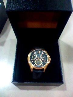 FURBOの男性用時計